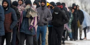 Göçmenler ağır kış şartlarında yaşam mücadelesi veriyor