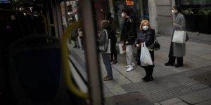 İspanya'da Kovid-19'dan günlük can kaybı son 8 ayın en yüksek seviyesine çıktı