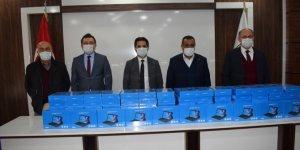 Karapınar'da öğrencilere tablet dağıtımı yapıldı