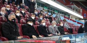 Bakan Kasapoğlu Konyaspor'un maçını takip etti