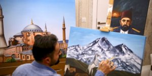 İnşaat ustasının tabloları görenlerin beğenisini kazanıyor