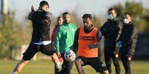 İlhan Palut, Konyaspor'da ilk antrenmanına çıktı