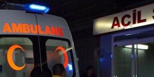 Hamile kadın kaza yapan ambulansta erkek bebek dünyaya getirdi