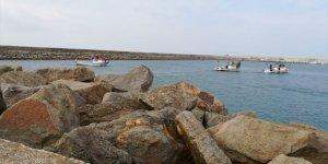 Enez açıklarında kaybolan balıkçı için arama kurtarma çalışması başlatıldı