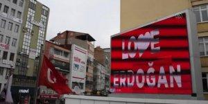 """Konya'da """"Love Erdoğan"""" görseli LED ekranlara yansıtıldı"""