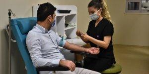 Konya'da sağlık çalışanı evli çift, hastane ve evde hayatı paylaşıyor