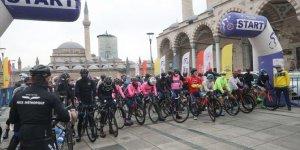 26. Uluslararası Mevlana Bisiklet Turu Konya'da başladı