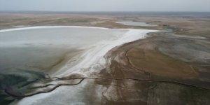 Düden Gölü'nün su seviyesindeki düşüş doğaseverleri tedirgin ediyor