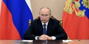 """Putin'den Rusya'yı """"gerileyen güç"""" olarak tanımlayan MI6 Başkanı Moore'a tepki:"""