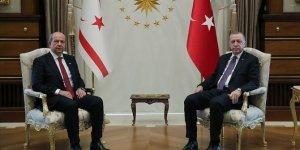 Cumhurbaşkanı Erdoğan, Ersin Tatar ile bir araya geldi