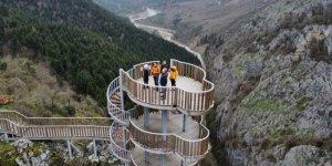 Bin 200 metrelik kanyon kısıtlamaya rağmen boş kalmıyor