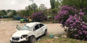 Konya'da otomobil devrildi: 2 yaralı