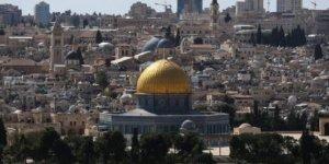 İsrail, Kadir Gecesi öncesi Filistinlilerin Kudüs'e ulaşmasını engelledi