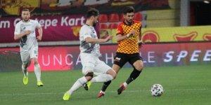 Göztepe: 0 -  Konyaspor: 0 | İlk Yarı Sonucu