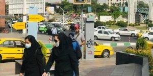 İran'da son 24 saatte 386 kişi Kovid-19'dan hayatını kaybetti