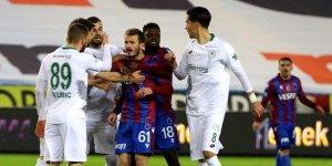 Konyaspor'da 3 futbolcu ceza sınırında