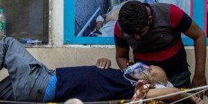 Hindistan'da son 24 saatte 3 bin 128 can kaybı