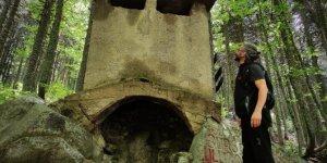 Uludağ'da ormanların içinde tarzanın yaşadığı alan ilk günkü gibi duruyor