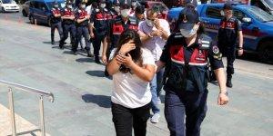 Konya'da ve Antalya'da göçmen kaçakçılığı yaptıkları iddia edilen 7 kişi yakalandı