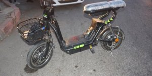 Otomobil elektrikli bisikletle çarpıştı: 1 yaralı