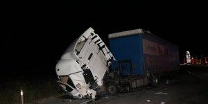 2 tırın çarpıştığı kazada 1 kişi yaralandı