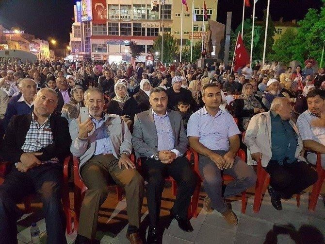 Develi'de demokrasi nöbeti sabaha kadar devam etti
