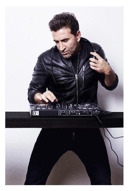 Ünlü fotoğrafçı Nihat Odabaşı DJ'liğe merak sardı