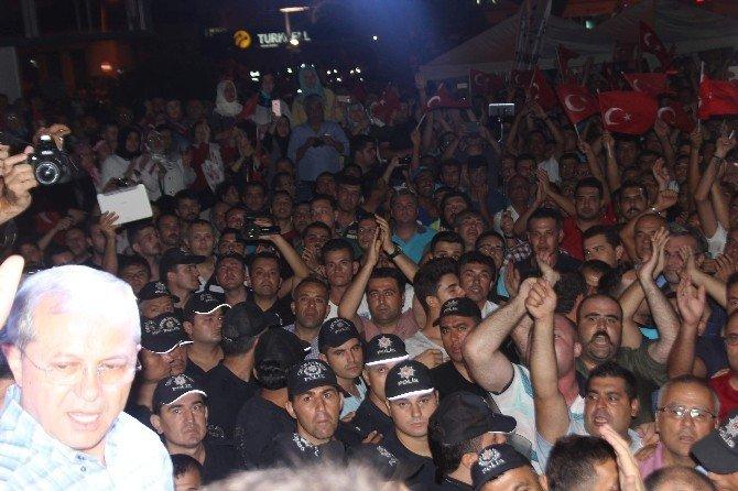 Aydın'da demokrasi nöbetinde kriz