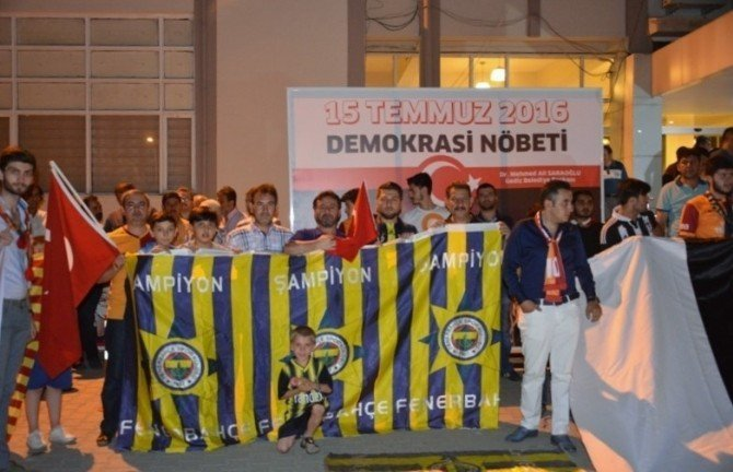 Gediz'de demokrasi nöbeti spor kulüplerinde