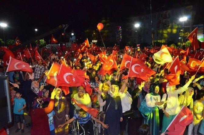 Uğur Işılak Karaman'da demokrasi nöbetine katıldı