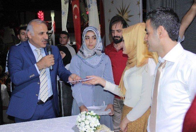 Demokrasi nöbetinde çifte nikah