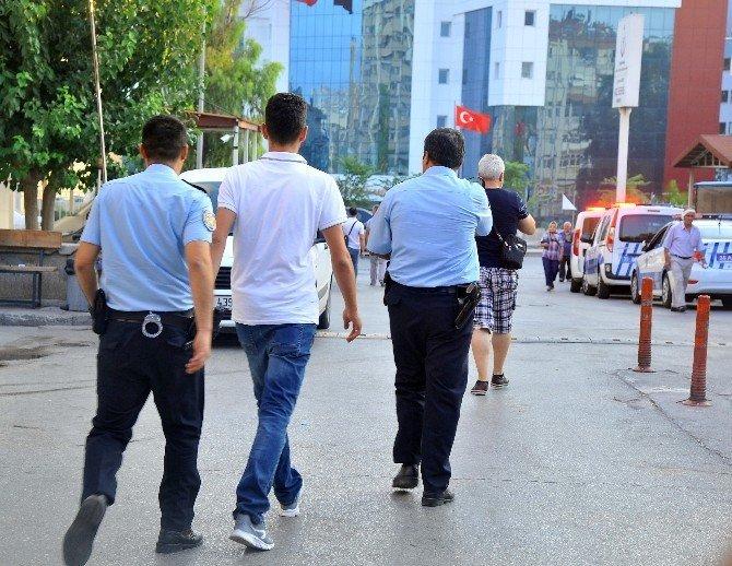 İzmir'de polislere operasyon