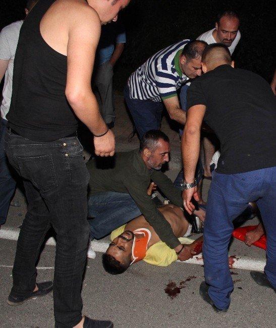 Samsun'da motosiklet otomobil ile çarpıştı: 7 yaralı