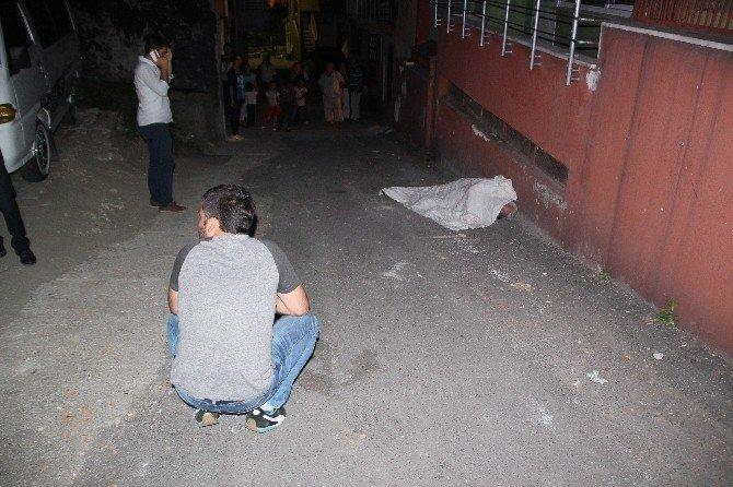 Sokak arasında ölü bulundu