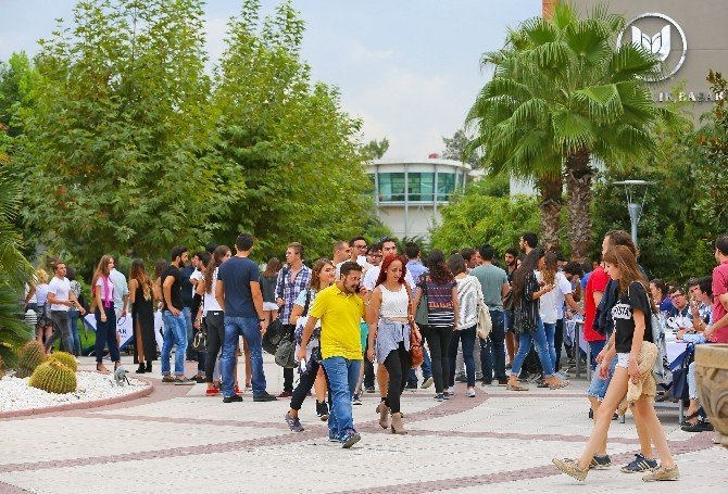 Yaşar Üniversitesi'nin rektöründen adaylara öneriler