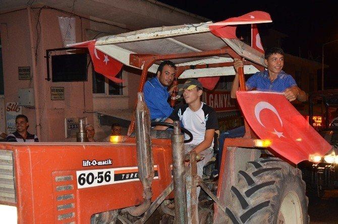 Bozdoğanlı çiftçilerden FETÖ protestosu