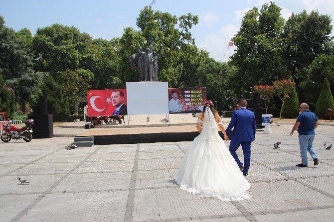 Genç çift nikahlarının ardından darbe şehitleri için dua etti