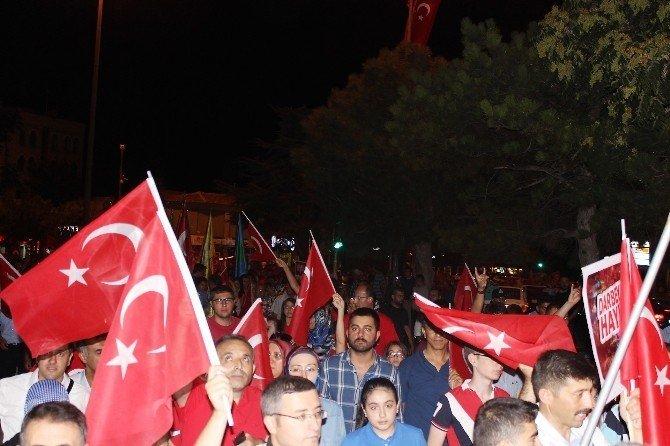 Kırşehir'de milli irade yürüyüşü