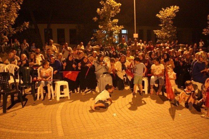 Osmanelililer demokrasi nöbetini sürdürüyor