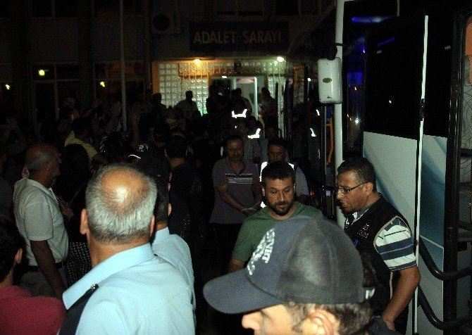 Aydın'da 28 polis tutuklandı