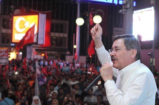 Kızılay'da demokrasi nöbeti