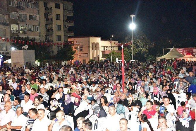 Kurtlar Vadisinin Şamil'i Manisa'daki demokrasi nöbetine katıldı
