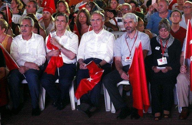 """Mehmet Ali Şahin: """"Demokrasinin beşiği artık Türkiye'dir"""""""