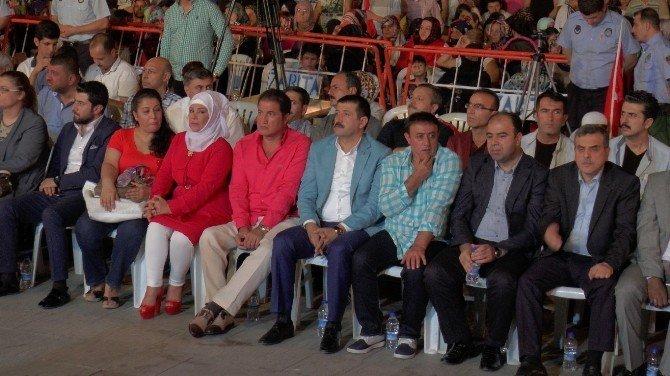 Sanatçılar demokrasi nöbeti için Şanlıurfa'ya geldi