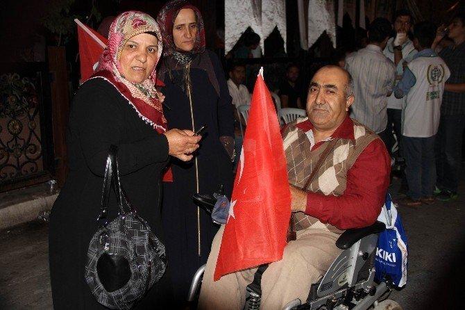 Vatandaşların demokrasi nöbeti devam ediyor