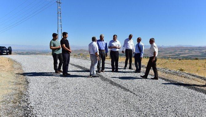 Başkan Gürkan Üzümlü mahallesindeki çalışmaları yerinde inceledi