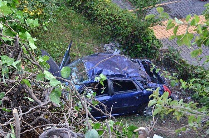 Kontrolden çıkan otomobil lojman bahçesine uçtu: 1 yaralı