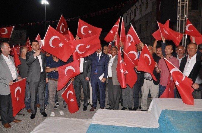 Sivas'ta demokrasi nöbeti devam ediyor