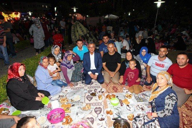 Gebze'de demokrasi nöbeti devam ediyor