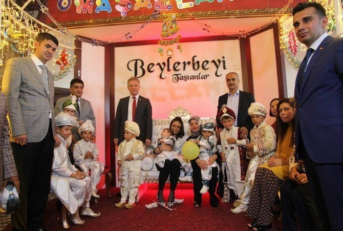Sevgi Evleri'nde kalan çocuklar için sünnet töreni düzenlendi